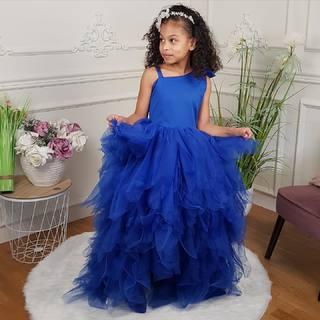 Blue princess dress 💙 A découvrir dans boutiques et sur notre eshop #linkinbio ✨ 📸 @lanou_style   #lespetitsmecs #princess #robedeprincesse #babygirl #wedding #cutekidzz #kidsfashion #mariage #robeenfant